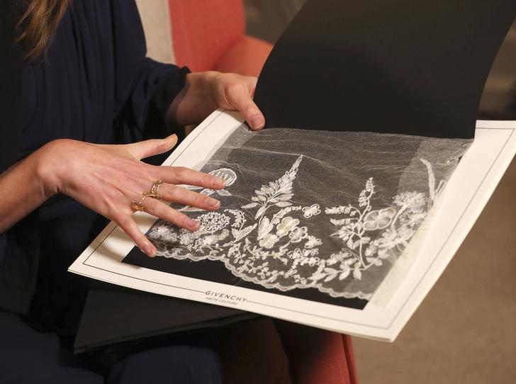 Фото №5 - От Одри Хепберн до Меган Маркл: знаменитые невесты в платьях Givenchy