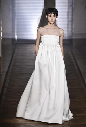Фото №24 - 35 идей свадебных платьев с подиумов Недели высокой моды в Париже