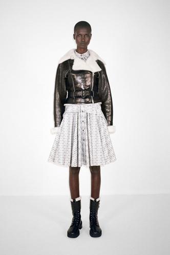 Фото №29 - Полный гид по самой модной верхней одежде на осень и зиму 2021/22