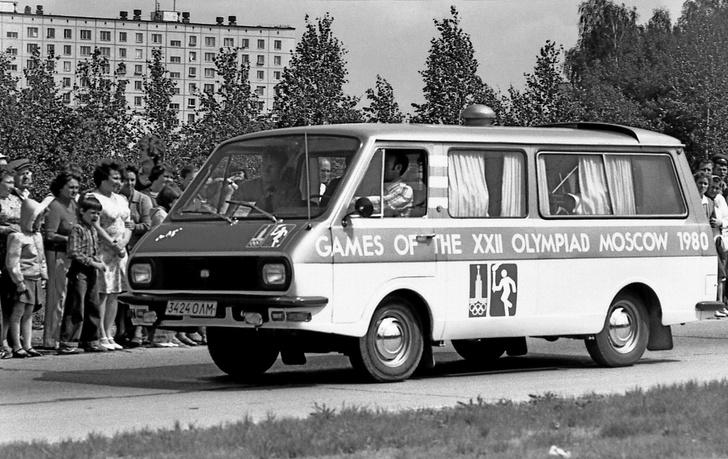 Фото №4 - Маршрутка для олимпийского мишки. Как выглядел главный автомобиль Олимпиады-80