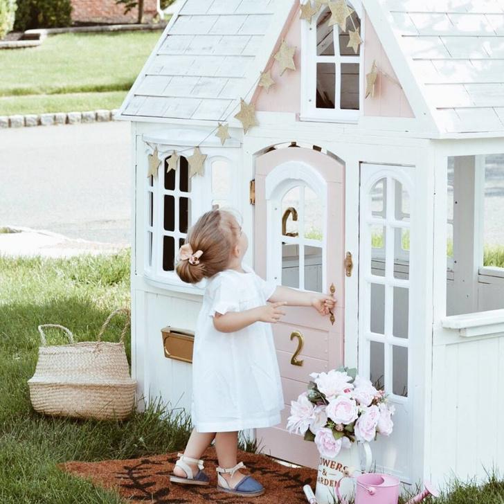 Фото №1 - Дети на даче: игровые домики в саду