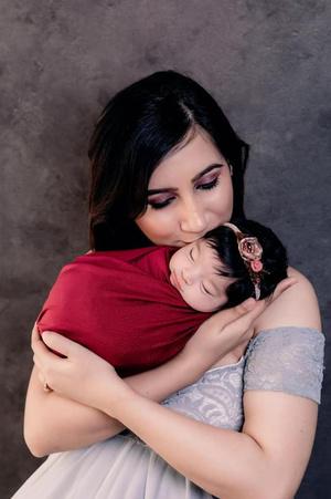 Фото №2 - Новорожденная девочка поразила врачей своей внешностью: фото