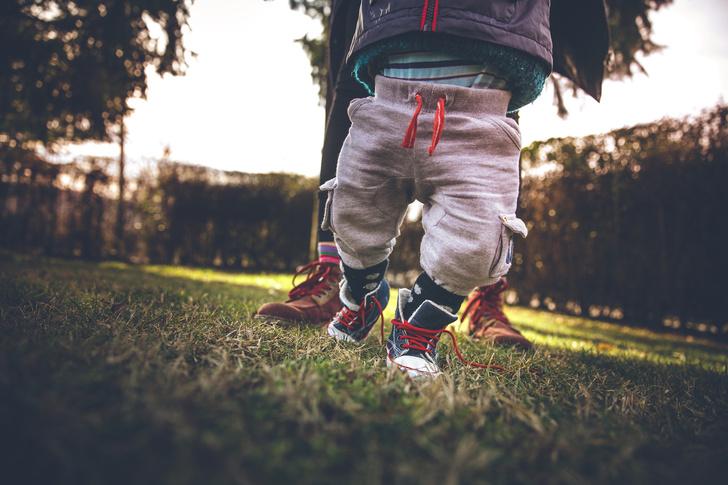 Фото №2 - 7 ошибок, которые совершают родители, выбирая обувь для ребенка