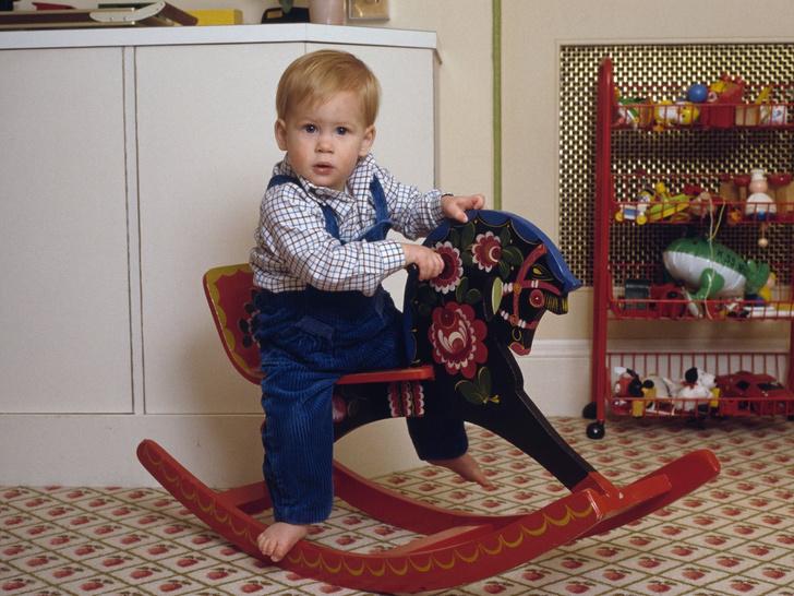 Фото №1 - От краски для стен до игрушек: как выглядит детская дочери Гарри и Меган