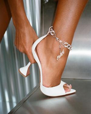 Фото №8 - Хозяйка хрустальных туфелек: кто такая Амина Муадди (и почему ее так любят звезды)