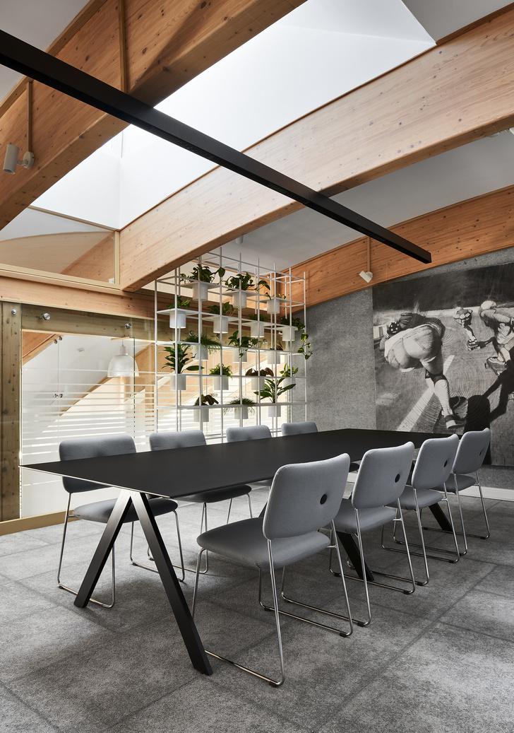 Фото №2 - Уютный офис в скандинавском стиле с верандой в Петербурге