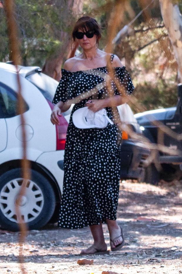 Фото №2 - Платье в горох— всегда беспроигрышный вариант. Доказывает Моника Беллуччи