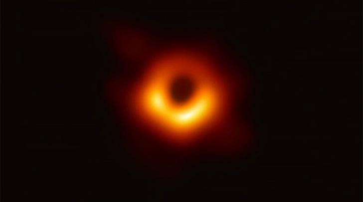 Фото №1 - Ученые выбрали имя для недавно сфотографированной черной дыры