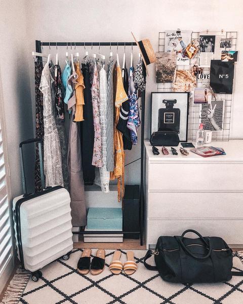 Фото №7 - 10 простых и клевых способов навести порядок в шкафу
