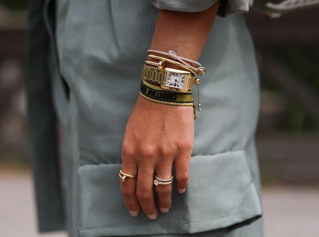 Фото №1 - Самое время: модные часы для весны 2020