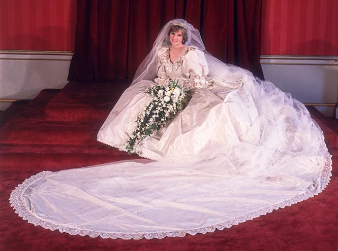 Фото №4 - Короткое свадебное платье для Меган Маркл: есть ли шансы?