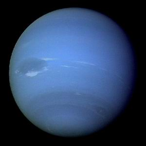 Фото №1 - На холодном Нептуне нашли теплые пятна