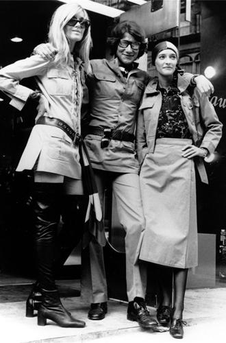 Фото №8 - Вещи-легенды: модное наследие Yves Saint-Laurent