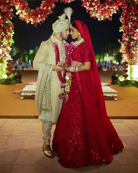 Фото №9 - 10 фактов о впечатляющей свадьбе Приянки Чопры и Ника Джонаса