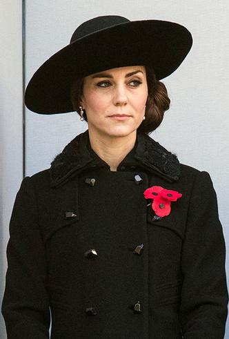 Фото №26 - Как Кейт Миддлтон вдохновляется стилем принцессы Дианы (и, главное, зачем?)