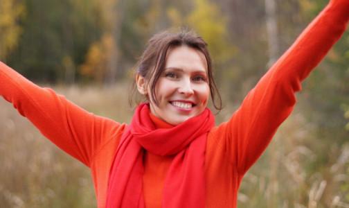 """Фото №1 - """"Вы будете впечатлены"""". Новые привычки, которые помогут вырабатывать гормон радости: простые правила от эксперта"""
