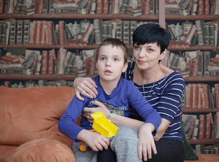 Андрей с мамой Анной
