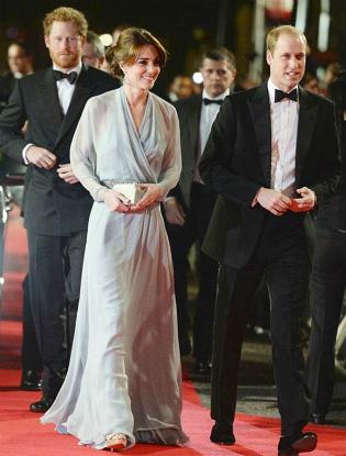 Фото №2 - Любимый дизайнер герцогини Кембриджской вышла замуж в сером