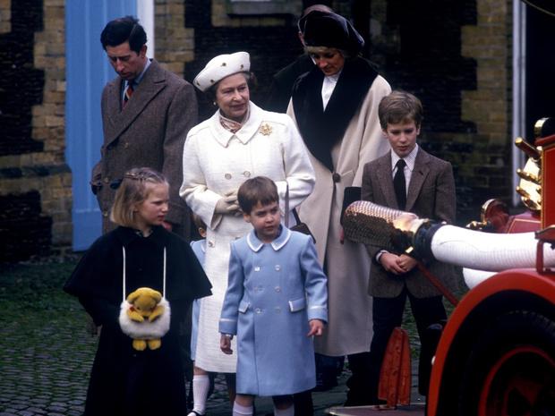 Фото №1 - Обделенные: почему не все внуки Королевы получили титулы принцев и принцесс