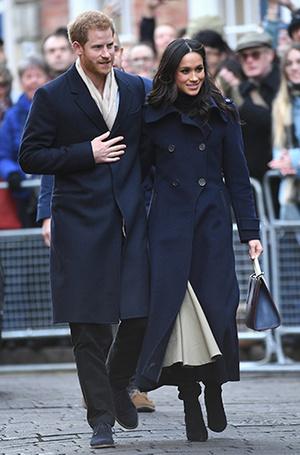 Фото №3 - Меган Маркл и принц Гарри начали свой тур по Великобритании
