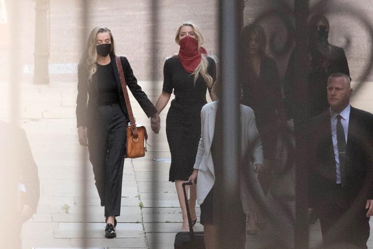Фото №3 - Встретились в суде: Джонни Депп и Эмбер Херд прибыли в Лондон на заседание по делу о клевете