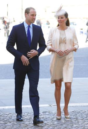 Фото №31 - Стильное положение: как одеваются беременные королевы, принцессы и герцогини