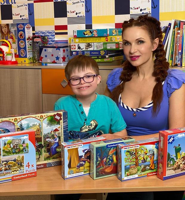 Фото №1 - Российские звезды, которые воспитывают особых детей