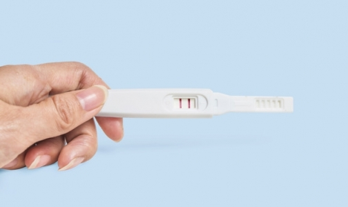 Фото №1 - В Петербурге 170 несовершеннолетних сделали аборт, 177 — родили