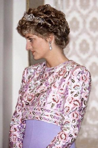 Фото №35 - Легендарная стрижка принцессы Дианы: история одного из самых модных феноменов века