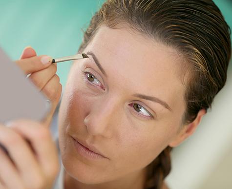Фото №1 - Сигнал тревоги: почему выпадают брови