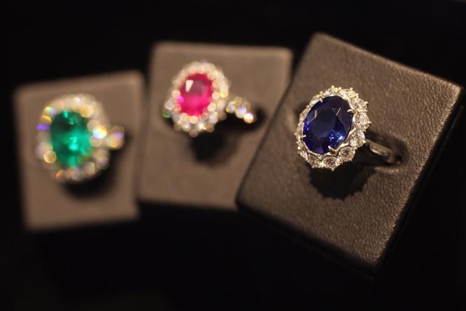 Фото №3 - История помолвочного кольца принцессы Дианы и Кейт Миддлтон