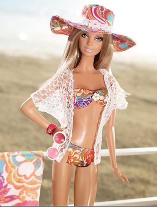 Фото №2 - Трина Тёрк одела куклу Барби