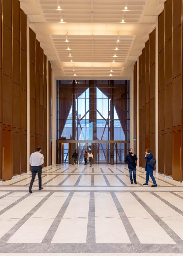 Фото №10 - Офисное здание по проекту Foster+Partners в Екатеринбурге