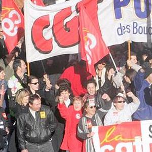 Фото №1 - Во Франции кризис доверия власти
