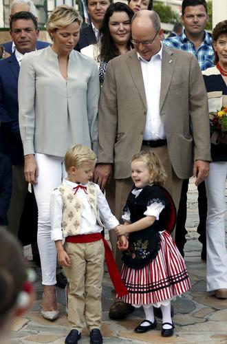 Фото №5 - Принц Жак и принцесса Габриэлла пошли в школу