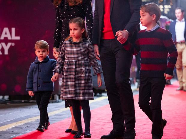 Фото №2 - Чем жизнь сына принцессы Евгении будет отличаться от жизни Джорджа, Шарлотты и Луи