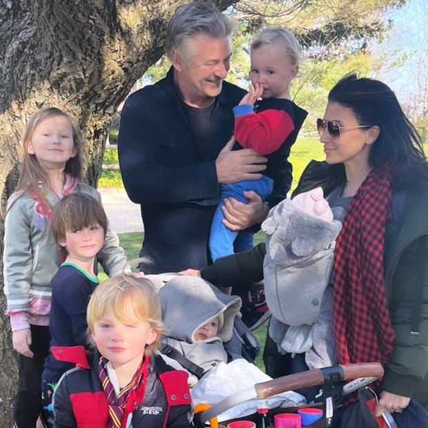 Хилария Болдуин родила 6 ребенка