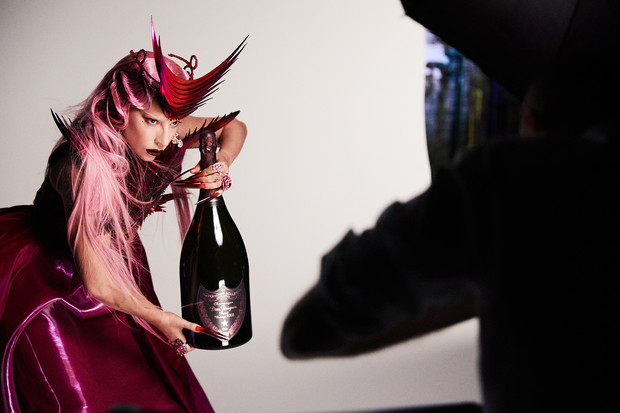 Фото №5 - Коллаборация Леди Гаги и Dom Pérignon