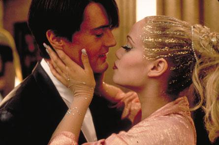 Фото №1 - 10 ужасных фильмов, которые не стыдно любить