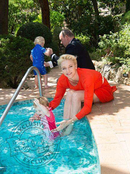 Фото №6 - Княгиня Шарлен вывела детей в свет