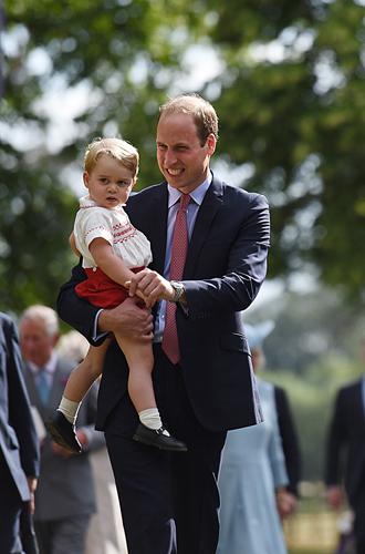 Фото №39 - Самые трогательные моменты крестин детей герцогов Кембриджских