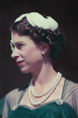 Фото №2 - Королева красоты: бьюти-правила Елизаветы II