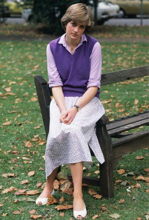 Фото №6 - Все оттенки сирени: как королевские особы носят фиолетовый цвет