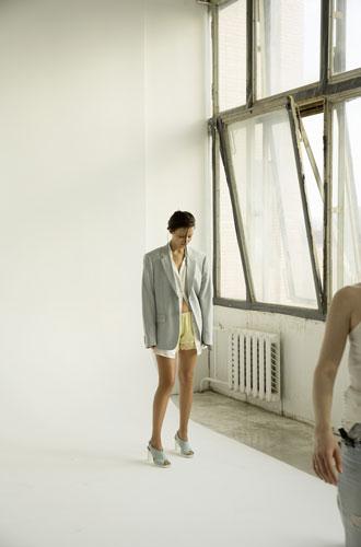 Фото №2 - Любовь Аксенова: «Мне нравится проводить опыты над собой»