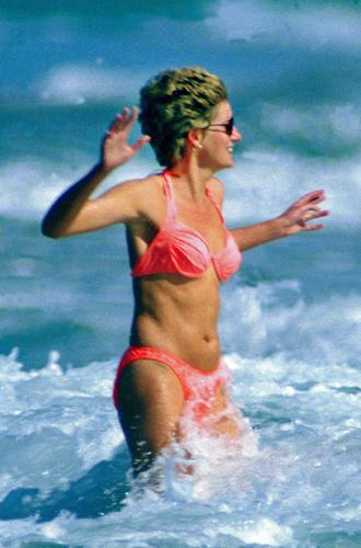 Фото №27 - Принцесса пляжа: бикини-стиль Дианы