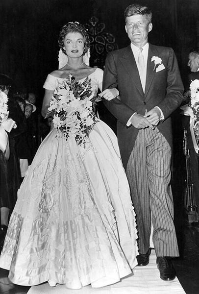 Фото №46 - 16 самых известных, красивых и дорогих свадебных платьев за всю историю