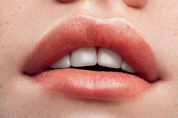 Фото №4 - Без филлеров и операций: как визуально увеличить губы