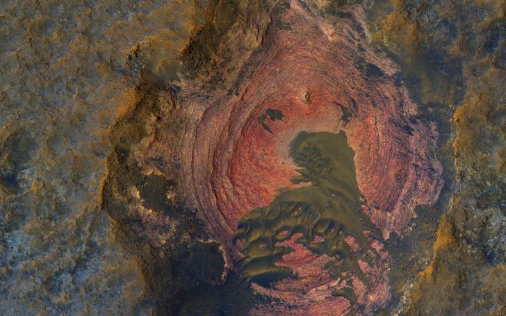 Фото №1 - В НАСА показали «сердце Марса»