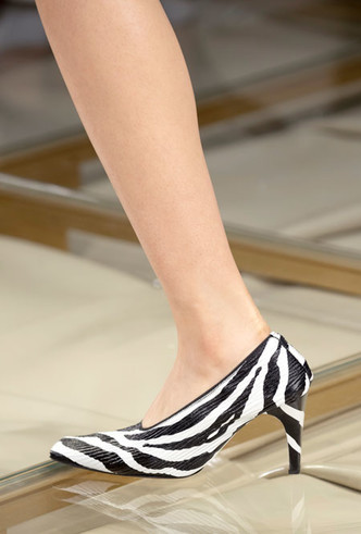 Фото №32 - Самая модная обувь весны и лета 2020: советы дизайнеров