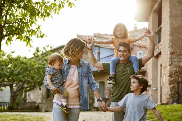 Фото №1 - Старшие— не няньки младшим: правила жизни многодетной семьи